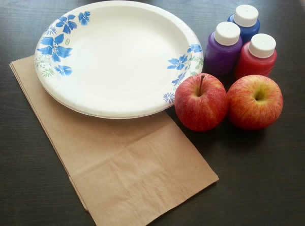 Apple Stamped Lunch Bags - Learn more at http://HeidiPowell.net/3278