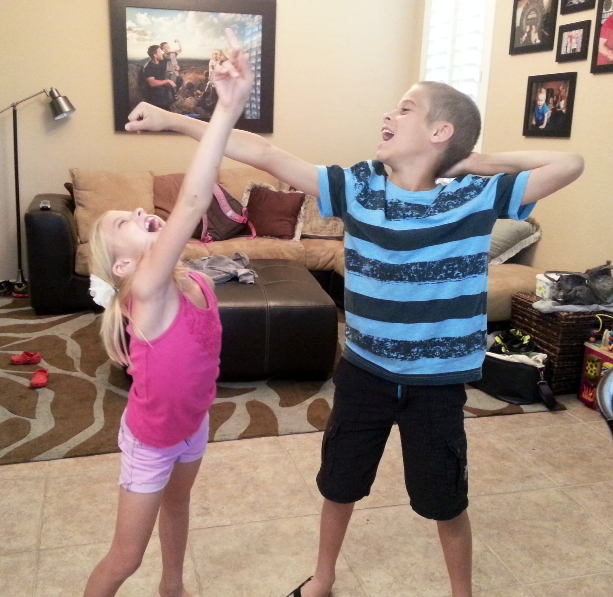 Celebrity Trainer Heidi Powell's kids Matix and Marley dancing to Thriller by Michael Jackson on https://heidipowell.net/4029
