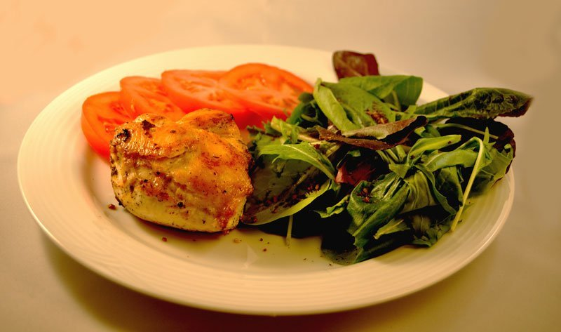 Tomato, Basil and Garlic Chicken - Get the recipe at http://HeidiPowell.net/2183