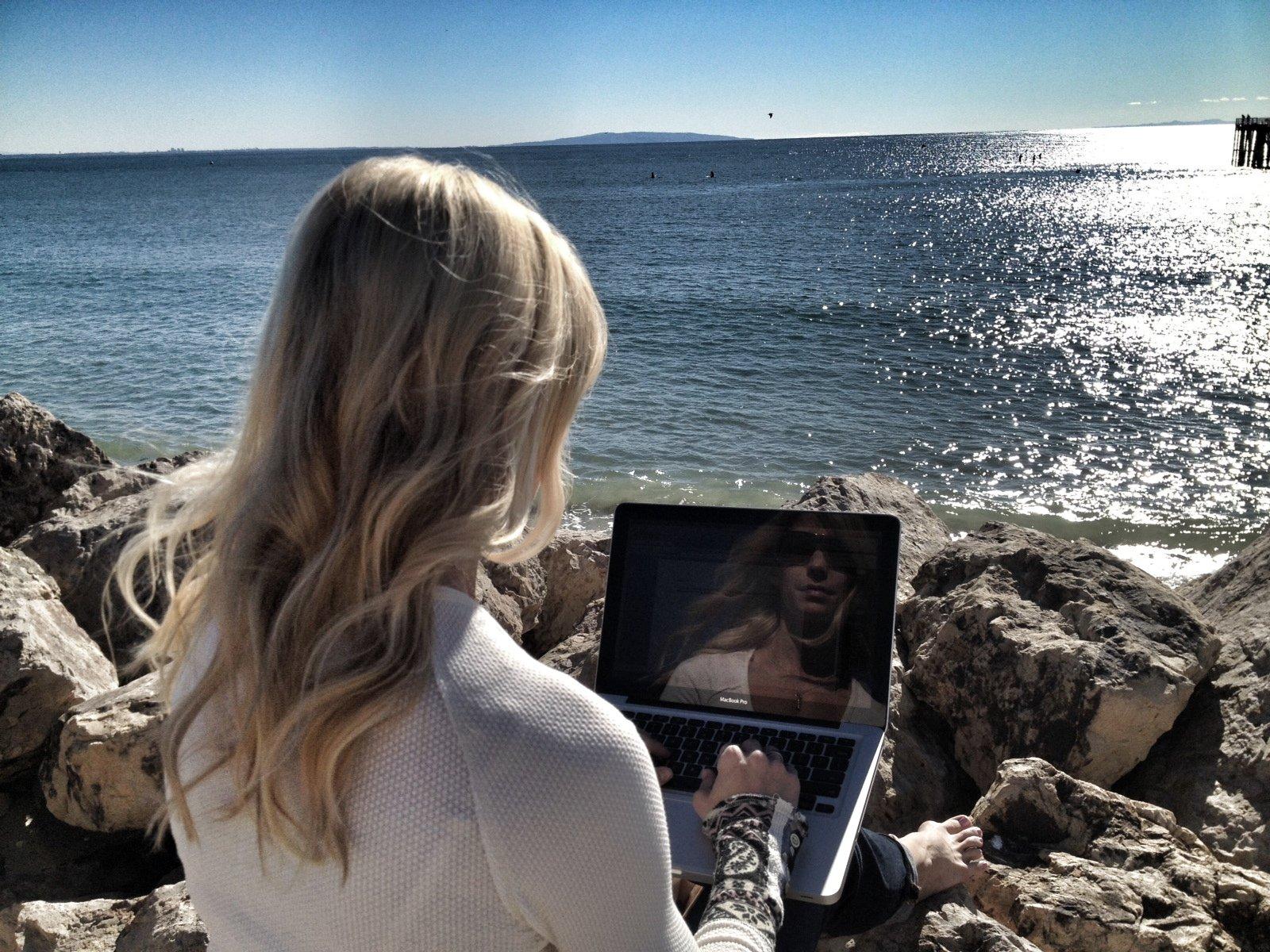 #HeidiPowell beach breaktime #familytime https://heidipowell.net/198