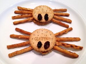 Spider Pretzels Sandwiches - Learn more at http://HeidiPowell.net/3761