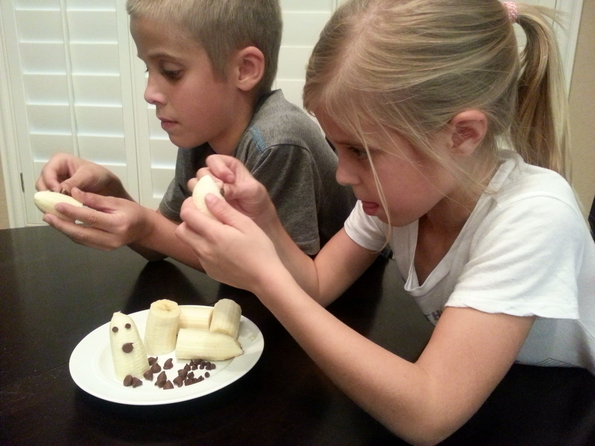 Halloween Treats Ghost Assembly - Learn more at https://heidipowell.net/4554