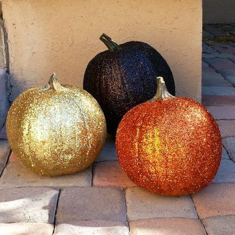 Glitter Pumpkin Craft for Moms!