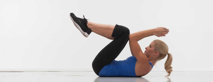 Celebrity Trainer Heidi Powell Knees to Elbows - Step 2 - Learn more at https://heidipowell.net/4208