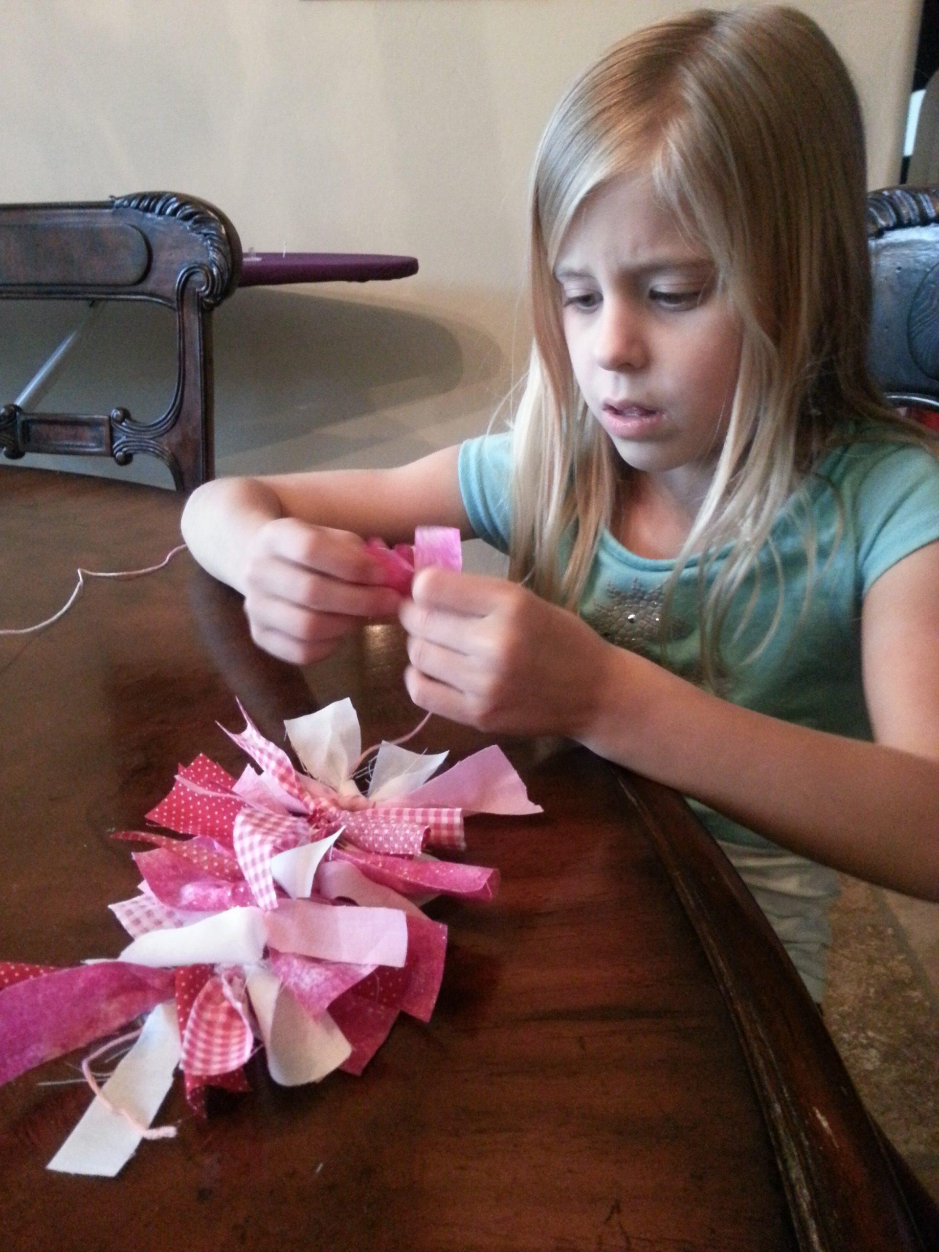 #PowellPack #ValentinesDay #Craft #HeartWreath #HeidiPowell