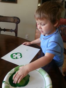 #PowellPack #StPatricksDay #PepperStamper #Craft ToddlerFun