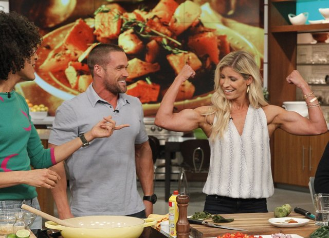 THE CHEW - 1/5/16 Daphne Oz returns from her maternity leave and Chris Powell is the guest today on THE CHEW, airing MONDAY - FRIDAY (1-2pm, ET) on the ABC Television Network. (ABC/ Lou Rocco) CARLA HALL, CHRIS POWELL, HEIDI POWELL