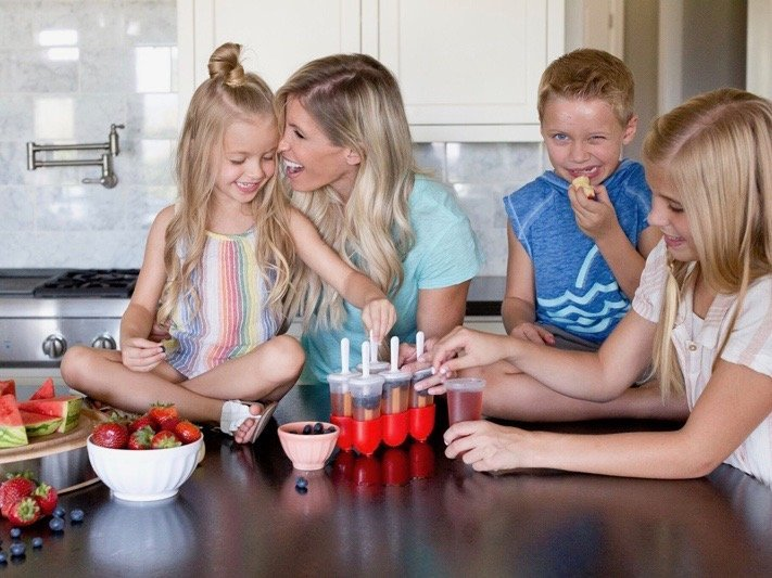 Fruit Juice Popsicles & Other Quick Snack Mom Hacks