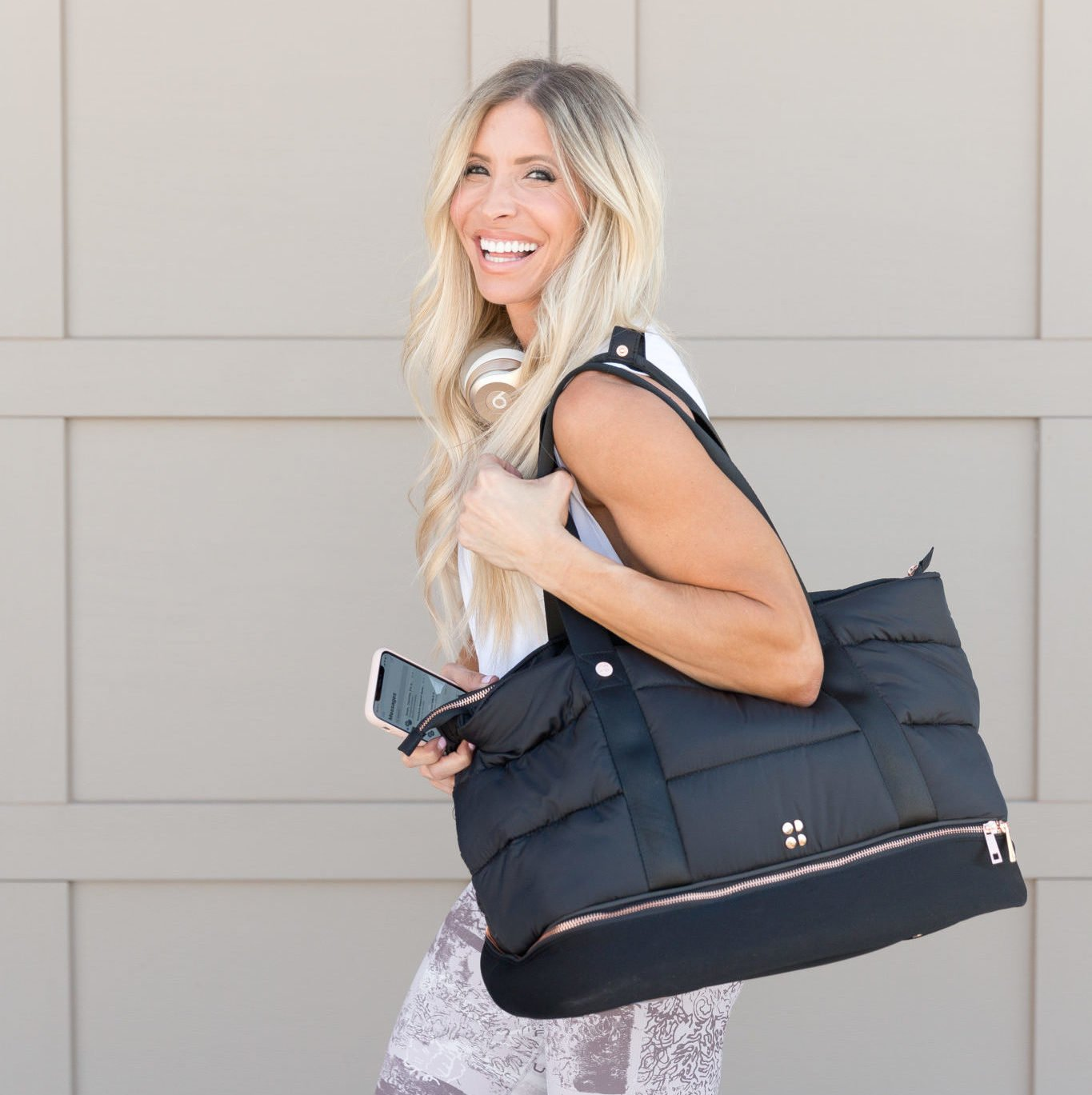 What's in My Gym Bag   10 Gym Bag Essentials + GIVEAWAY